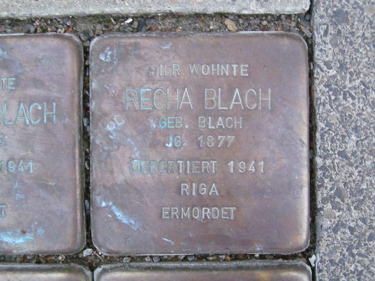 der Stolperstein für Recha Blach