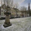Straatbeeld met de kerktoren van de Sint Josephkerk op de achtergrond - Groningen - 20387673 - RCE.jpg