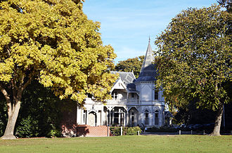 St. Andrew's College, Christchurch - Image: Strowan House and Field