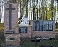 Strzebin-pomnik II w.światowej.jpg