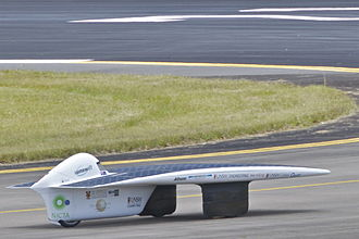UNSW Faculty of Engineering - Sunswift IVy During the World Solar-Car Speed Record attempt.