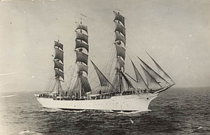 Suomen Joutsen - Suomen Joutsen during preparations for her fourth voyage.