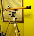 Telescopio refractor de aficionado con 60mm de abertura..jpg
