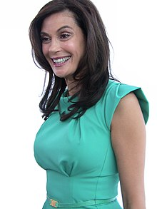 Teri Hatcher 2009 whitebg.jpg