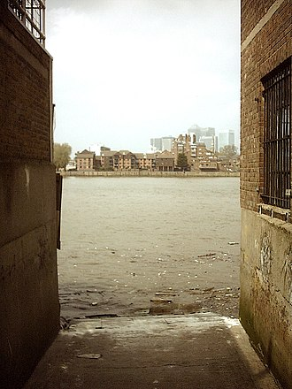 Watermen's stairs - Thames access (Wapping?)
