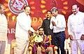 The Vice President, Shri M. Venkaiah Naidu presenting the 'Ramineni Awards 2018' to Badminton Coach, Shri P. Gopichand, instituted by Dr. Ramineni Foundation, in Mangalagiri, Andhra Pradesh.JPG