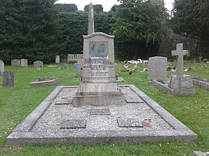 William Lionel Wyllie - The grave of W L Wyllie, and his wife Marion. Also interred in the same plot are his daughters Eva and Aileen
