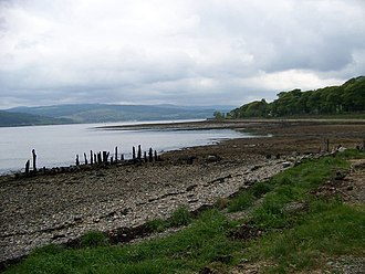 Strachur - Image: The remains of the pier at Strachur Bay geograph.org.uk 1312100