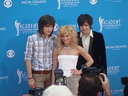 The Band Perry (L-R: Reid, Kimberly, Neil)