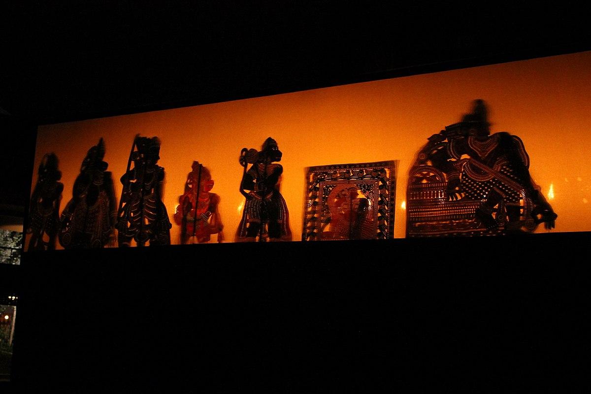 Tholpava koothu shadow puppet Ramayana show (21).jpg