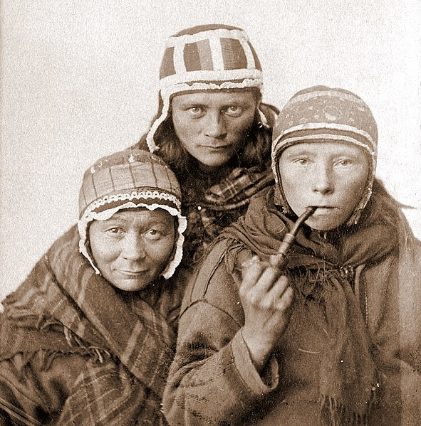 File:Three Sámi Lapp women, c1890s.jpg