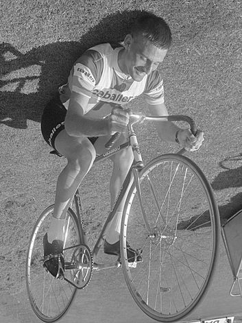 "Tiemen Groen ""riding"" on his back in 1967 Tiemen Groen (1967).jpg"