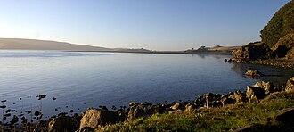 Tomales Bay - Image: Tomalesbay 01