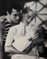 Tony Curtis, Janet Leigh, and daughter Kelly Curtis.png