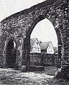 Tor zum Burghof von Praunheim Graebestraße 1911 nach Kronberg verkauft.jpg