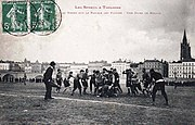 Carte postale ancienne illustrant le rugby