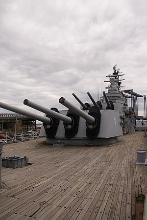 USS Salem (CA-139) - Image: USS Salem view from port bow looking astern