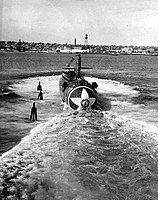 USS Sturgeon (SSN-637) Launch2.jpg