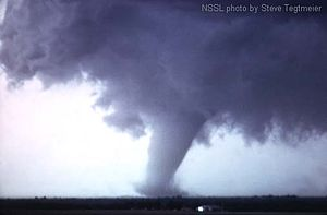 Union City Oklahoma Tornado (mature).jpg
