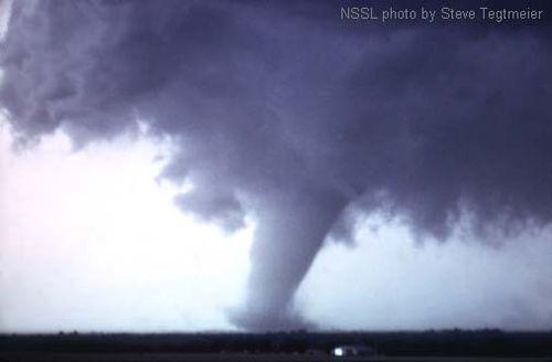 Union City Oklahoma Tornado (mature).jpg