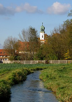 Unterbiberg with the church of St. Georg and the Hachinger Bach