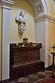 Urna z sercem Jana III Sobieskiego w kościele kapucynów w Warszawie.jpg