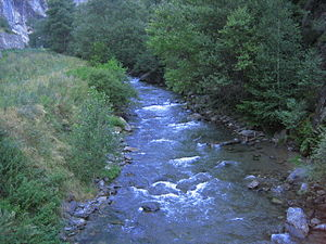 English: View of Valira del Nord river (a trib...