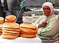 Vendeuse de pain Maroc.jpg