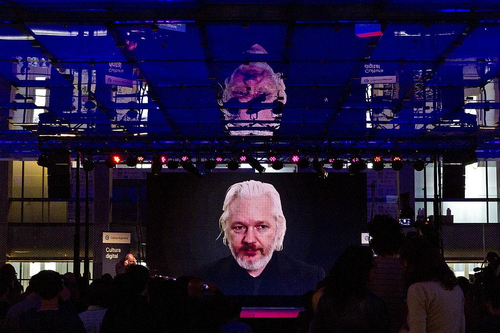 Videoconferencia con Julián Assange - Foro Cultura Digital (22175392526).jpg