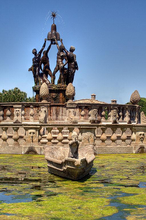 Fontana con le statue del Giambologna, Villa Lante, Bagnaia