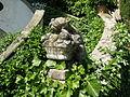 Villa i tatti, giardino, fioriera di pietra 02.JPG