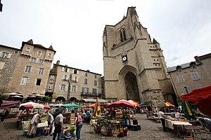 Villefranche-de-Rouergue - Marketplace on Place Notre-Dame.