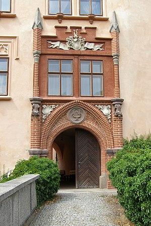 Vrchotovy Janovice - castle - main gate