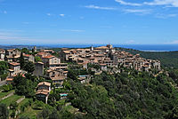 Vue du village de Tourrettes-sur-Loup depuis la route des Quenières.JPG