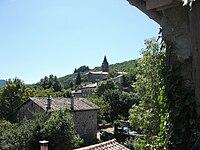 Vue sur l'église du hameau de La Souche.JPG