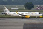 Vueling, EC-MFK, Airbus A320-232 (19505208918).jpg