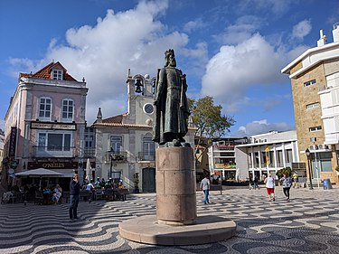 Center of Cascais (King Peter I statue). Walking around Cascais (49663277256).jpg