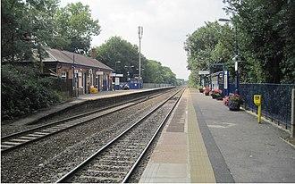 Warwick railway station - Warwick station in 2013, looking west towards Birmingham.