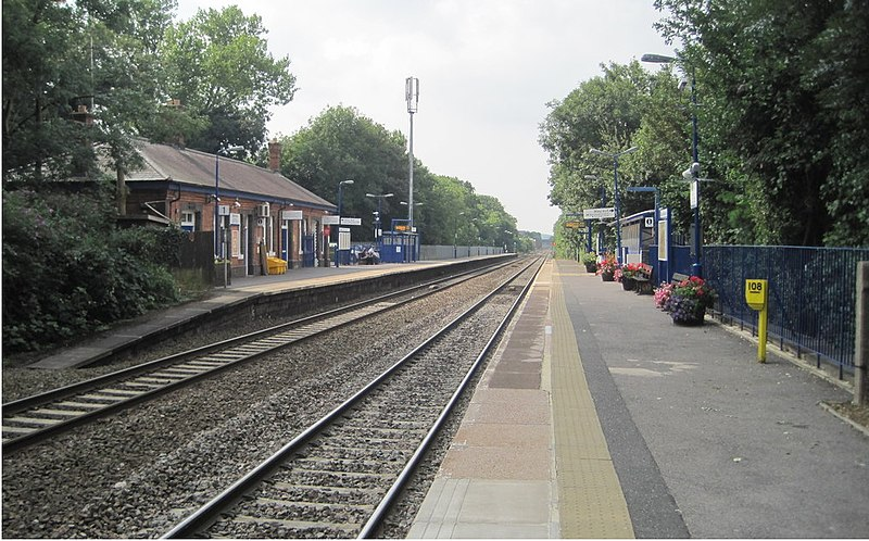 File:Warwick railway station, Warwickshire, geograph-4045638-by-Nigel-Thompson.jpg