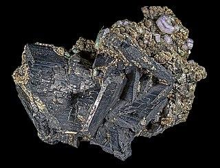 Wolframite intermediate mineral variety between hübnerite and ferberite