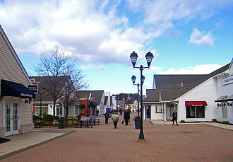Woodbury Common Premium Outlets - Promenade at Woodbury Common