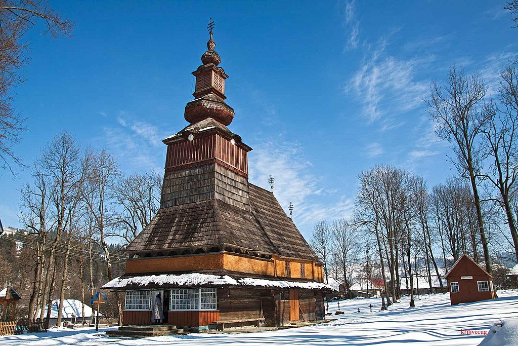 Дерев'яна церква в селі Пилипець