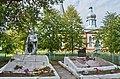 Заболоть. Братська могила радянських воїнів та пам'ятник воїнам-односельцям.jpg