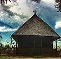Стара црква брвнара Св.апостола Петра и Павла у Лозовику.JPG