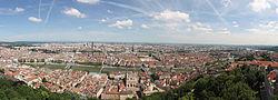 01. Panorama de Lyon pris depuis le toit de la Basilique de Fourvière.jpg
