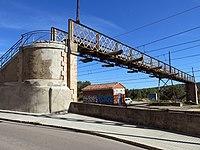 010 Pont de ferro sobre la via del tren (Centelles).jpg