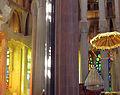 083 Sagrada Família, interior, deambulatori i presbiteri.jpg