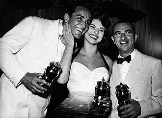 Vittorio Gassman - Gassman, Giovanna Ralli and Alberto Lattuada awarded at the 1957 Grolla d'oro.