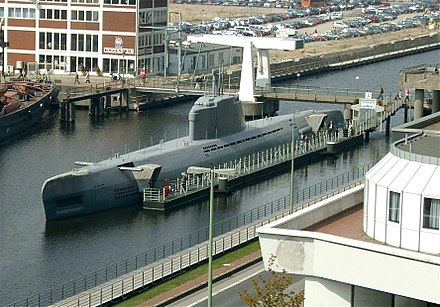 German Type XXI submarine 2004-Bremerhaven U-Boot-Museum-Sicherlich retouched.jpg