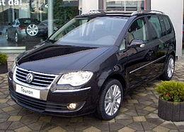 https://upload.wikimedia.org/wikipedia/commons/thumb/6/6c/2007_VW_Touran.JPG/260px-2007_VW_Touran.JPG